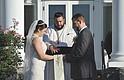 CEREMONIA. Michelle Van Der Werf, su hermano, el pastor Ryan Shaffer, y Derek Van Der Werf durante la boda.