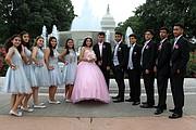 INOLVIDABLE. Emily Reyes con su cortejo de honor cerca del Capitolio en Washington, DC, el 16 de septiembre.