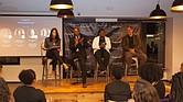 Cristina Costa moderando al panel. A su derecha en orden Kenn Turner, Maryanne Ravenel, y Luis Manuel Colmenares.