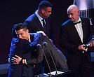Cristiano Ronaldo es galardonado por segundo año conseutivo con The Best