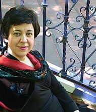 """La renombrada Pianista Argentina Mirian Conti, artista de Yamaha y residente en New York City, ha grabado """"Lalo Schifrin- Piano Works"""", una colección de la música para piano en estreno mundial, de su compatriota Lalo Schifrin"""