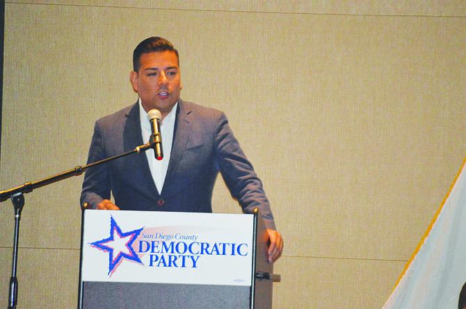 El Senador Ricardo Lara, candidato del Partido Demócrata a Insurance Commission. Foto: Horacio Rentería/El Latino San Diego.