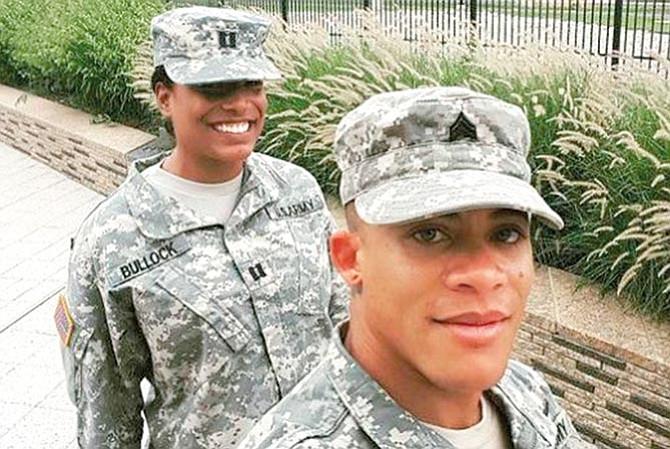 Transgéneros seguirán  en las filas militares
