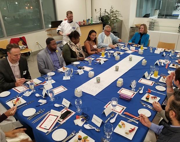 La Escuela Internacional Charter Pública, Carlos Rosario, junto a miembros de distintos sectores de la comunidad y socios estratégicos, brindaron la oportunidad a estudiantes de Arte Culinario, de mostrar su talento en la cocina asiática, gracias a una degustación en las instalaciones del Campus Sonia Gutiérrez al noreste de Washington DC.