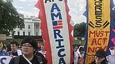 LUCHADORES. Reciente protesta frente a la Casa Blanca en Washington, DC, con motivo de las políticas migratorias.