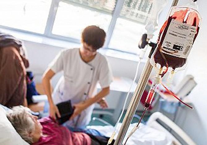 Transfusiones de sangre ayudan a pacientes de alzhéimer