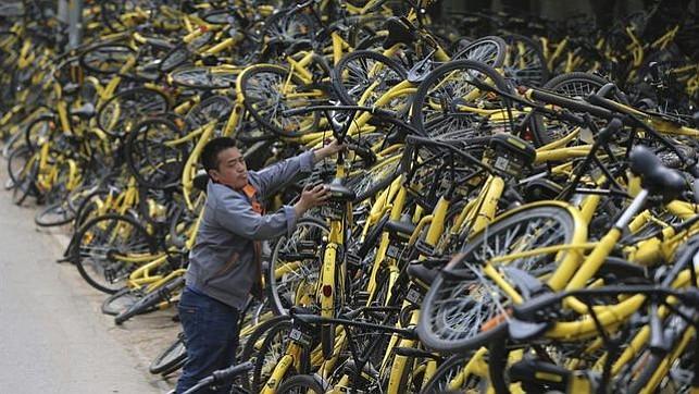 "Ciudades chinas reaccionan ante la ""epidemia"" de bicicletas de alquiler"
