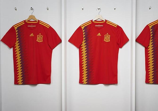 Adidas aclara que camiseta de España está fuera de la política
