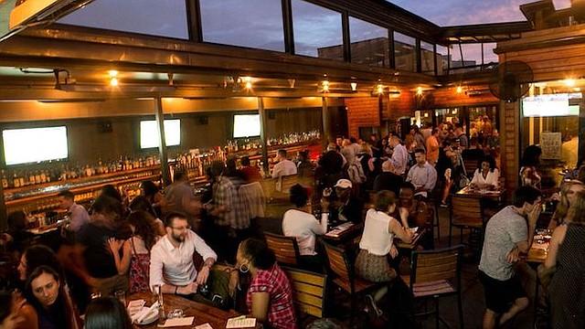 """FIESTA GASTRONÓMICA. Miles de amantes de los cócteles acudirán a restaurantes y bares como Jack Rose Dining Saloon en Adams Morgan (en la foto) a disfruta de la """"DC Cocktail Week""""."""