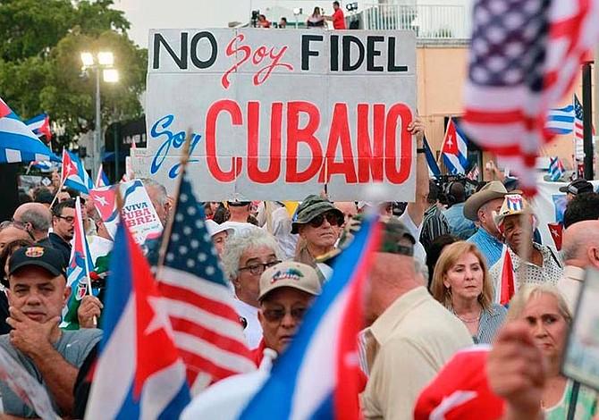 Cubanos de Miami quieren mano aun más dura contra la isla