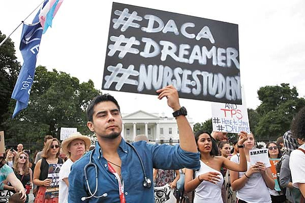 En plan presupuestario: Donald Trump rechaza protección a 'dreamers'
