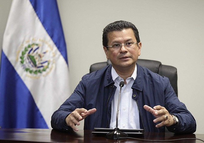 Canciller salvadoreño gestionará en EEUU ley para compatriotas