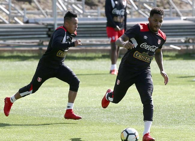 Perú sigue buscando su primer mundial en 36 años