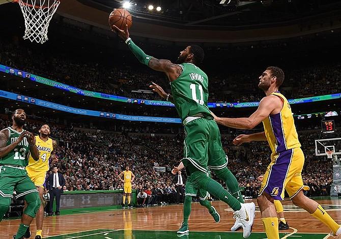 Los Celtics consiguen su decima victoria consecutiva en la NBA tras derrotar a los Lakers
