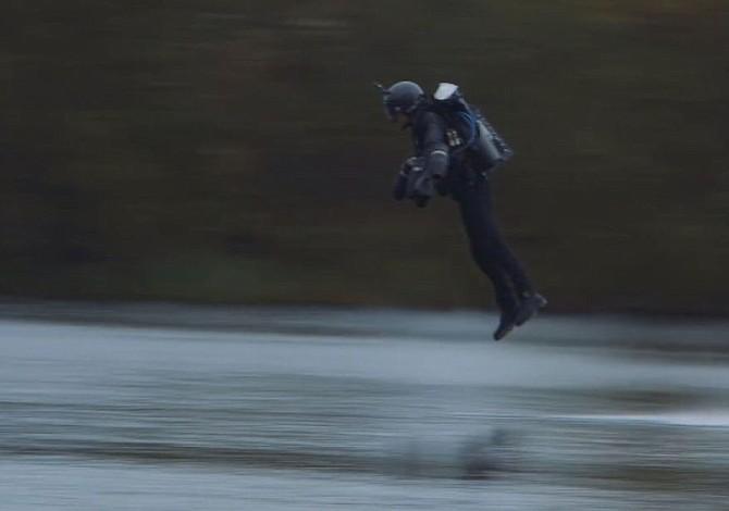 El primer 'traje volador' rompió récord de velocidad