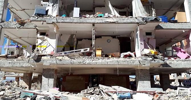 Destrucción y desolación dejó el terremoto que impacto comunidades de Irán e Irak. Foto-Cortesía, CNN en español.