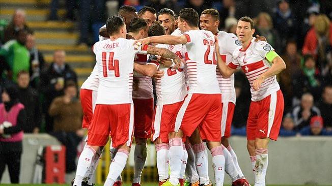 Suiza clasificó a su cuarto mundial consecutivo al vencer 1-0 a Irlanda