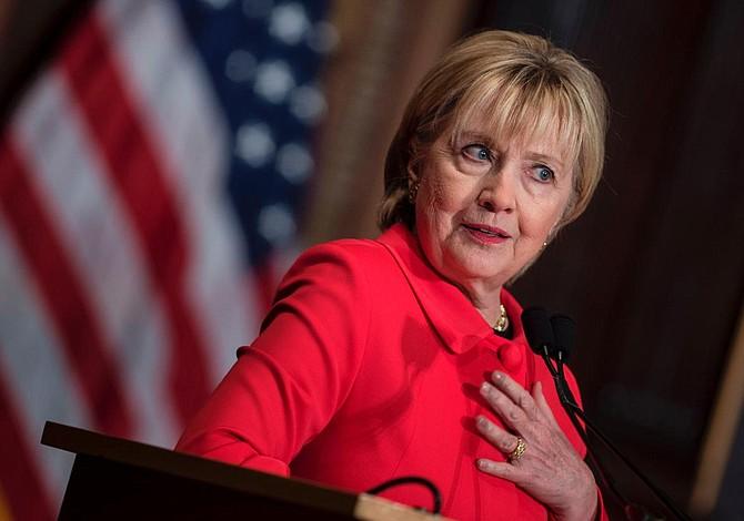 Sessions promete decidir pronto sobre investigación a Clinton