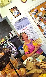 OPORTUNIDADES. Una de las propietarias de Dos Gringos Café en Mount Pleasant contó cómo la asesoría y préstamos de LEDC la ayudaron a mejorar su negocio.
