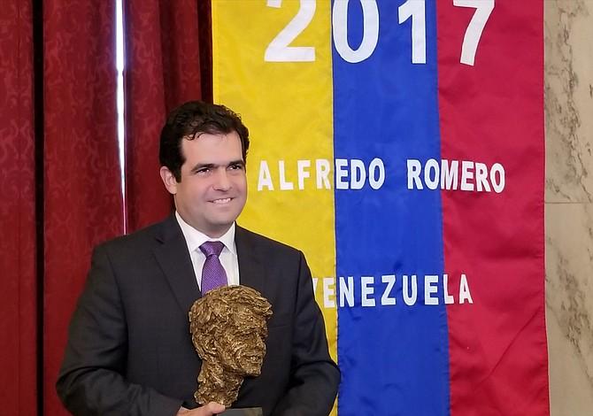 Venezuela: Alfredo Romero recibió premio Robert F. Kennedy en DC por defensa de los DDHH