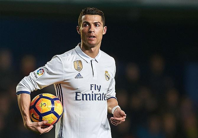 Ronaldo favorito para ganar su quinto Balón de Oro e igualar a Messi