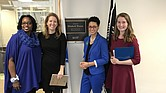 Evelyn Reyes en la oficina de la Senadora Elizabeth Warren en DC, con Susannah Savage,