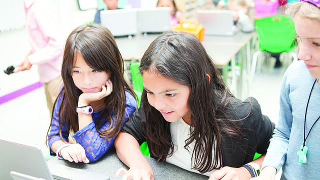 ALUMNAS. Estudiantes de una escuela charter en DC.