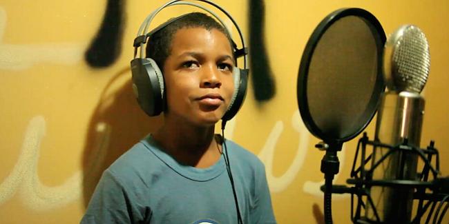 REPÚBLICA DOMINICANA. Jeffrey: Este documental/ficción se centra en un chico de 12 años, quien se gana la vida limpiando parabrisas en las calles de Santo Domingo.