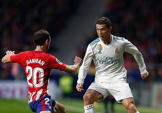 Real Madrid empató con Atlético y le pierde la pista al Barcelona