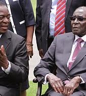Emmerson Mnangagwa regresará al país y sustituirá a Mugabe como jefe del partido y negociará su renuncia