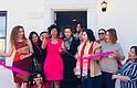 """Ortiz (al centro) inaugura la nueva sede de El Poder del Centro de Capacitación Integral del """"Poder de ser Mujer"""" en Prince George's"""