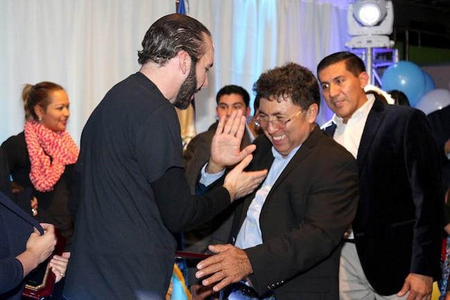 ALIANZA. Nayib Bukele y el empresario salvadoreño Luis Reyes.