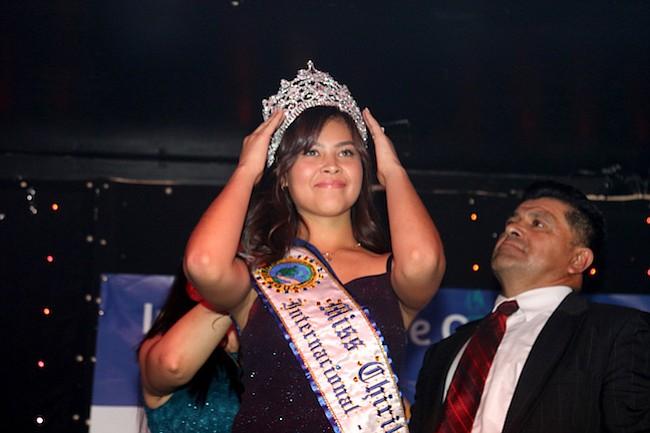 Una reina rumbo a las fiestas de Chirilagua