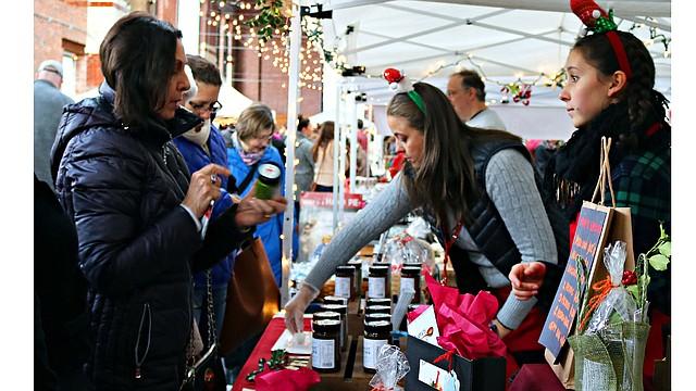 SoWa Winter Festival es uno de los mercados de invierno más grandes de Boston