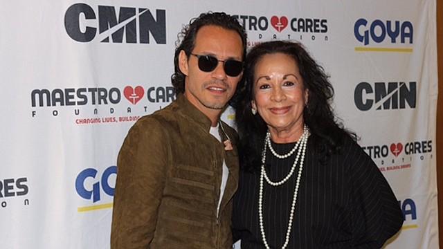 JUNTOS. El artista Marc Anthony y la ex cónsul general de El Salvador en Washington, Margarita Chávez.
