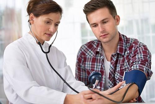 La mayoría de los adolescentes saltean chequeos médicos de rutina