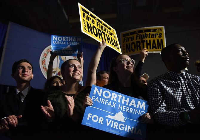 La participación de los votantes jóvenes es un obstáculo para los republicanos en Virginia