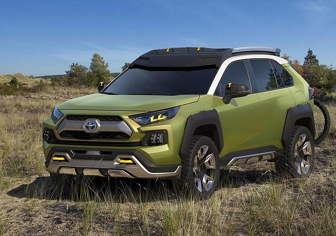 Toyota presenta FT-AC, un prototipo de todocaminos para el fin de semana
