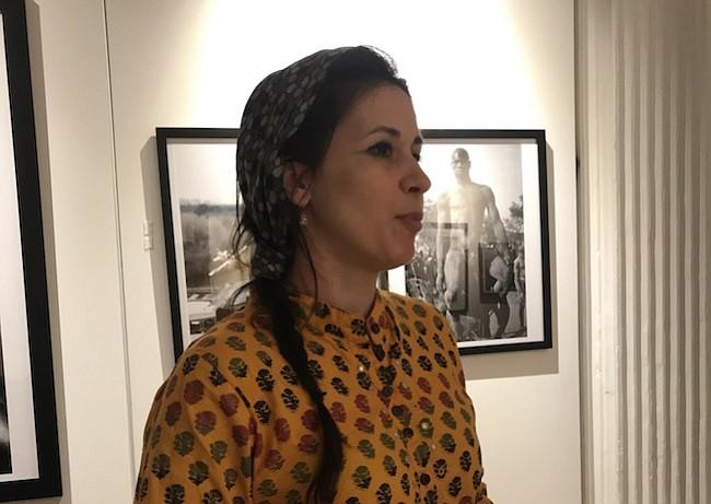 Lara Bello honra con su música a los refugiados