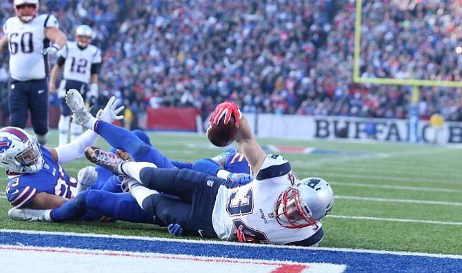Los Patriots llegan a 8 triunfos consecutivos con imponente actuación de Tom Brady