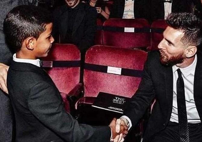 El hijo de CR7 sube a Instagram foto con Messi