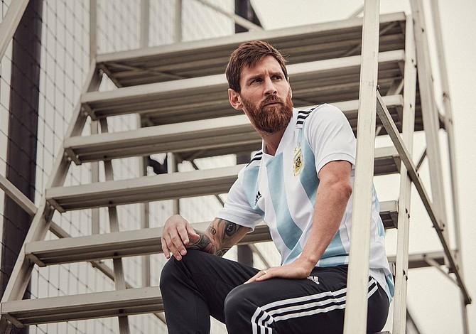 Lionel Messi considera que Argentina no llega lejos en el Mundial debe renovar toda la plantilla