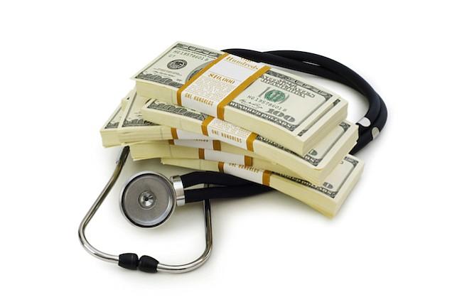 Deciden bajar sus salarios para poder tener seguro de salud