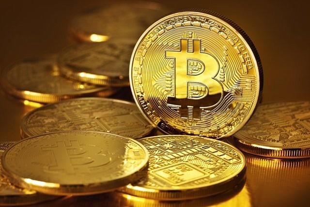 El bitcóin cotiza próximo a 15.000 dólares ante su entrada en los derivados