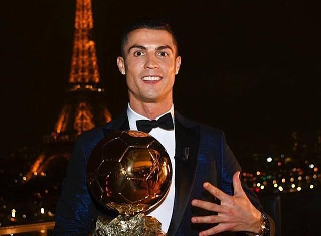 Cristiano Ronaldo alcanzó su quinto Balón de Oro e igualó a Messi como máximo ganador de la distinción