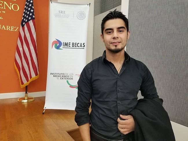 El dreamer Carlos Esteban Arellano sueña con ingresar a la Armada como enfermero de la militar