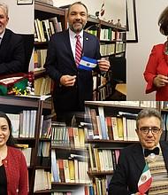 Cónsules de Perú, El Salvador, Ecuador, Colombia y México en Boston envían un mensaje de Navidad a sus comunidades