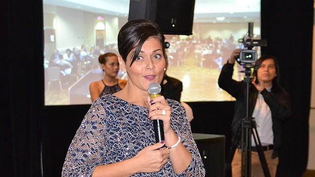 DAMA. Hala Ayala se dirige a los asistentes a la Gala Anual de la Cámara de Comercio Salvadoreña.