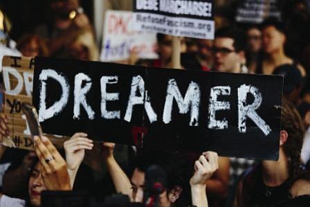Activistas en huelga de hambre por ley para proteger a soñadores
