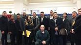 Dueños de pequeños negocios latinos, personal de la oficina de Desarrollo Económico de la Alcaldía de Boston y representantes de East Boston Main Streets